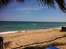 Pohled na pláž Juan Dolio, Dominikánská republika